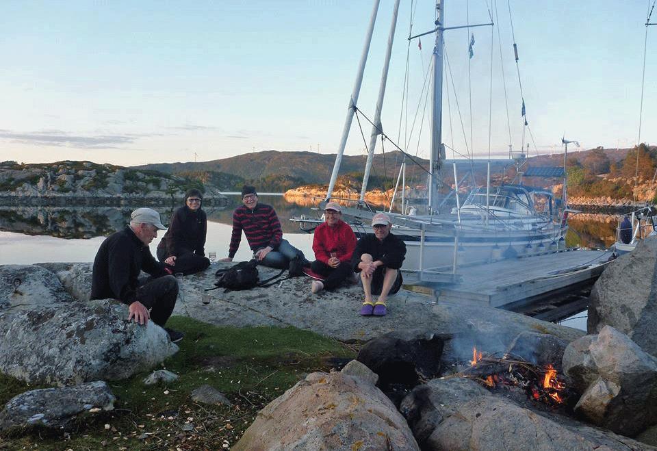 Nuotiolla-Bergen